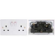 Double socket, switched